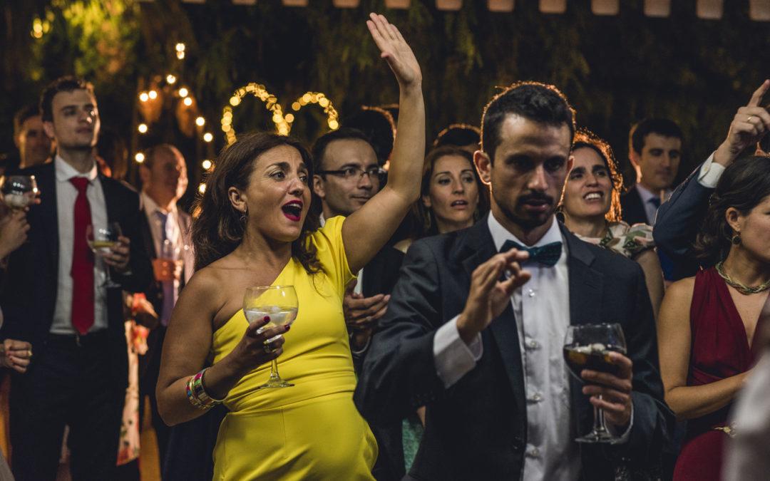 ¿Fotos de grupo en las bodas? Sí, pero con naturalidad